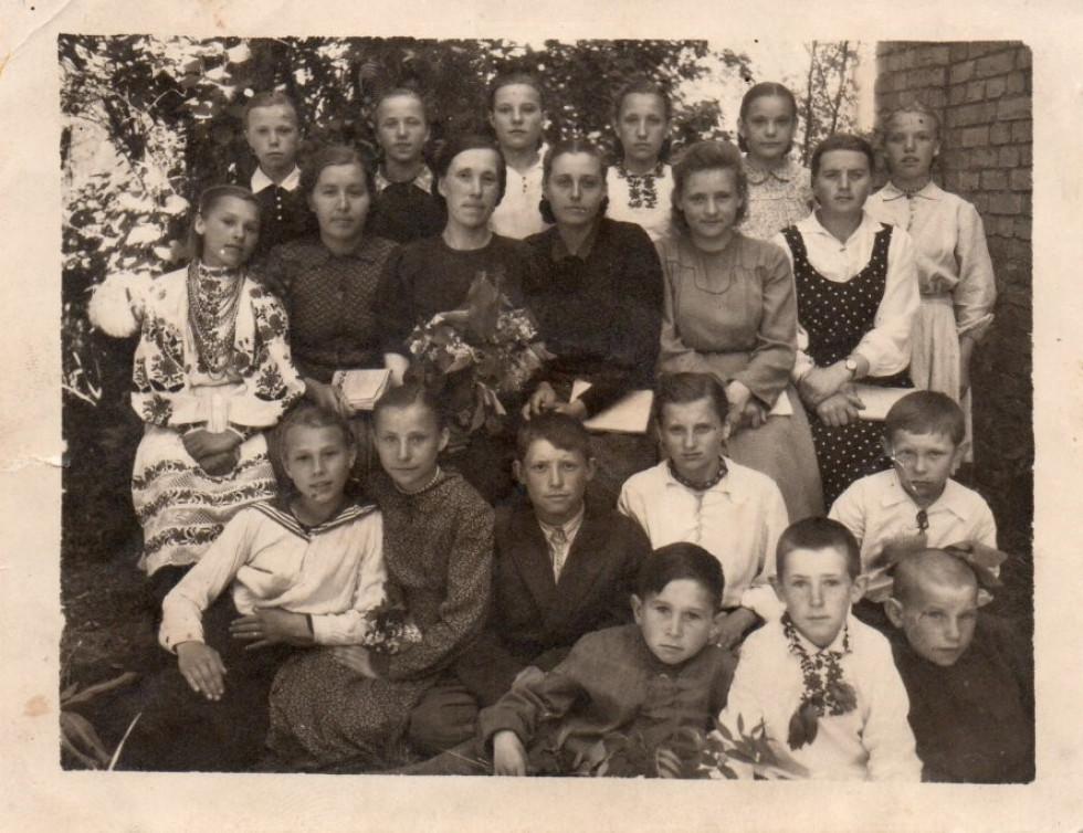Школа в Доротичах, міжвоєнний період