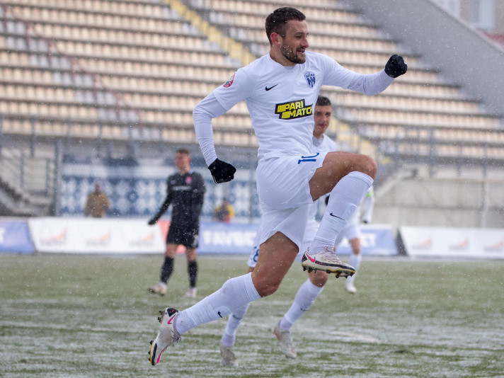Андрій Тотовицький у грі проти «Зорі»